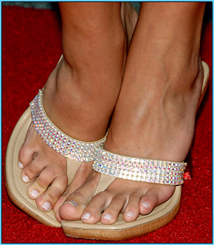 See more of Brooke Hogan's feet inside our member's area!